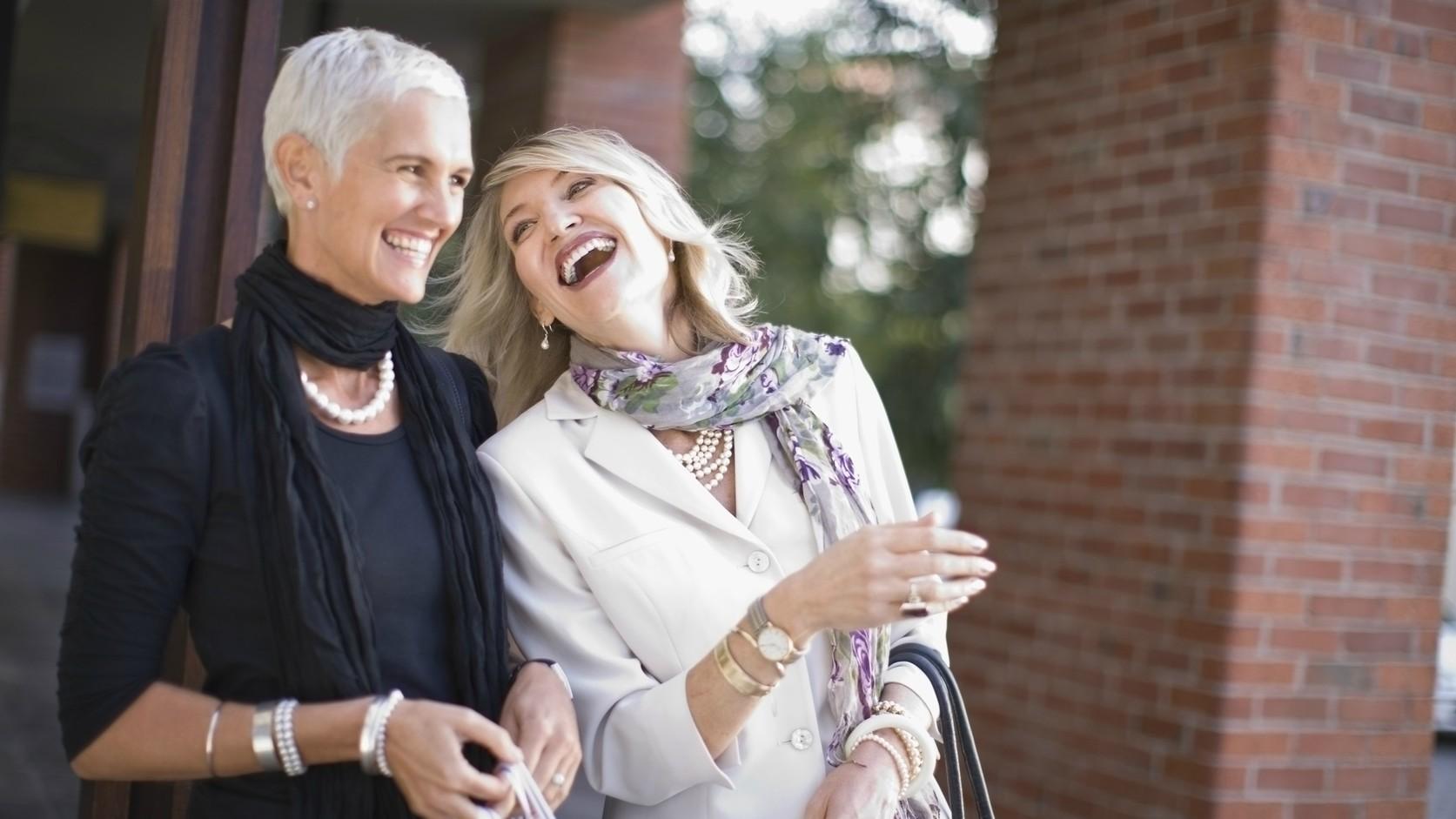 31fbaf40f9 Mit viseljünk szilveszterkor? – Divattippek 50 felettieknek